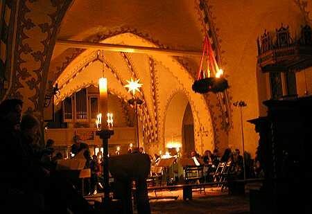 St. Servatius im Kerzenschein